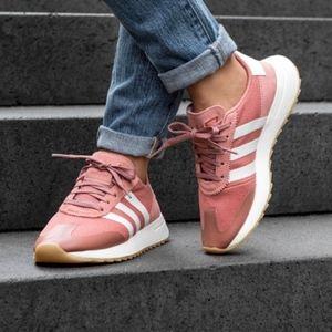 Women's Adidas FLB W (Size 9)